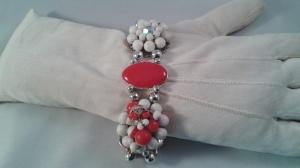 Armband i rött och vitt