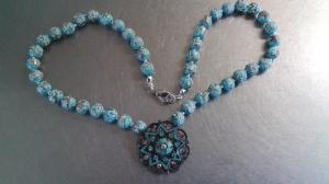 Halsband i blått