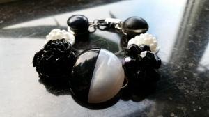 Armband, svartvitt